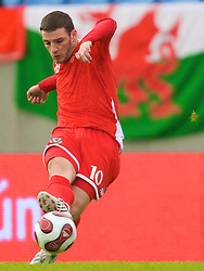 REYKJAVIK, ICELAND - Wednesday, May 28, 2008: Wales' Jason Koumas in action against Iceland during the international friendly match at the Laugardalsvollur Stadium. (Photo by David Rawcliffe/Propaganda)