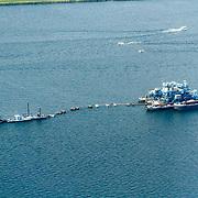 NLD/Harderwijk/20150822 - Vlucht boven zandwinning in het meer
