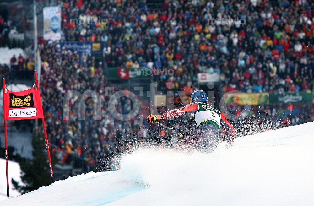 Ski Alpin; Saison 2006/2007  41. Weltcup Riesenslalom Herren Sieger Benjamin Raich (AUT) bei der Einfahrt in den Zielhang