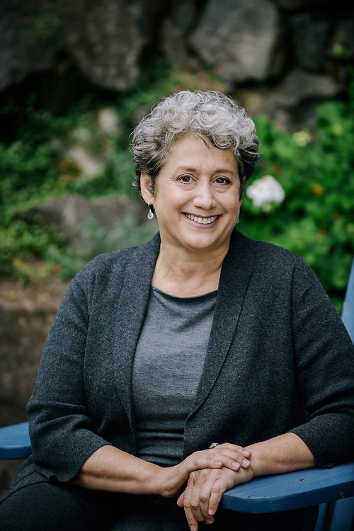 Business Portrait of Lisa Meddin of Harmony Design