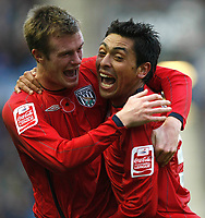 Photo: Steve Bond/Richard Lane Photography. Leicester City v West Bromwich Albion. Coca Cola Championship. 07/11/2009. Gonzalo Jara (R) and Chris Brunt celebrate his spectacular goal