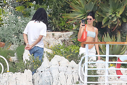 Cap d'Antibes the 23nd May 2019<br /> Kendall Jenner having around hotel's pool with pal<br /> ABACAPRESS.COM