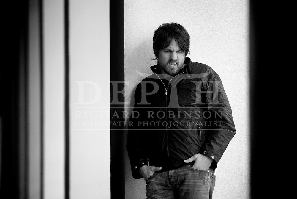 Martin Henderson, Kiwi Hollywood Actor. November 2005.<br /> Photograph Richard Robinson.<br /> 2005 © New Zealand Herald A Division of APN New Zealand Ltd.<br /> No Reproduction without prior written permission. Contact www.newspix.co.nz to licence photograph.
