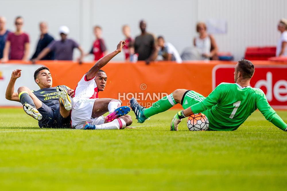 26-08-2017: Voetbal: Ajax O19 v PSV O19: Amsterdam<br /> L-R Zakaria Aboukhlal (PSV), Navajo Bakboord (Ajax)<br /> Supercup O19 - U19<br /> Seizoen 2017-2018