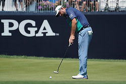 August 10, 2018 - St. Louis, Missouri, United States - Marc Leishman putts on the 9th green during the second round of the 100th PGA Championship at Bellerive Country Club. (Credit Image: © Debby Wong via ZUMA Wire)