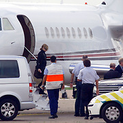 NLD/Amsterdam/20060903 - Aankomst Madonna Schiphol optreden Confessions Tour 2006 verhoogde beveiliging