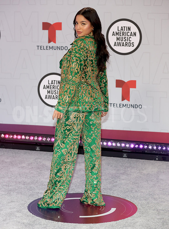 """2021 LATIN AMERICAN MUSIC AWARDS -- """"Red Carpet"""" -- Pictured: Emilia at the BB&T Center in Sunrise, FL on April 15, 2021 -- (Photo by: Aaron Davidson/Telemundo)"""