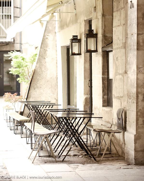 B&W fine art photograph of sidewalk cafe