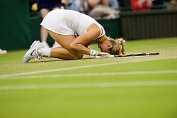 TENNIS: Wimbledon 2011, Damen, London, 23.06.2011<br /> Jubel von Sabine LISICKI (GER)<br /> ©pixathlon *** Local Caption *** +++ www.hoch-zwei.net +++ copyright: HOCH ZWEI / Kirsten Holst +++