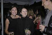 Kate Freeland, Corinne day and her husband: Mark Szasz, Vogue 90th birthday party and to celebrate the Vogue List, Serpentine Gallery. London. 8 November 2006. ONE TIME USE ONLY - DO NOT ARCHIVE  © Copyright Photograph by Dafydd Jones 66 Stockwell Park Rd. London SW9 0DA Tel 020 7733 0108 www.dafjones.com
