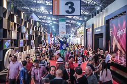Movimento de público na Couromoda 2014 - Feira Internacional de Calçados, Artigos Esportivos e Artefatos de Couro que acontece de 13 a 16 de janeiro, em São Paulo, no Parque de Exposições do Anhembi. FOTO: Jefferson Bernardes/ Agência Preview