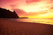 Sunset, Haena Beach, Kauai, Hawaii<br />
