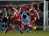 Photo. Richard Lane.<br /> Wycombe Wanderers v Leyton Orient. Coca Cola League Two. 29/12/2005.