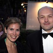 NLD/Utrecht/20081003 - Inloop uitreiking Gouden Kalveren Gala 2008, Boris van der Ham en medewerkster