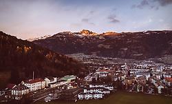 THEMENBILD - Blick auf die Stadt Lienz und dem Zettersfeld mit der Schleinitz bei Sonnenuntergang, aufgenommen am 04. Dezember 2018 in Lienz, Österreich // View of the city of Lienz and the Zettersfeld with the Schleinitz Mountain at sunset, Lienz, Austria on 2018/12/04. EXPA Pictures © 2018, PhotoCredit: EXPA/ JFK