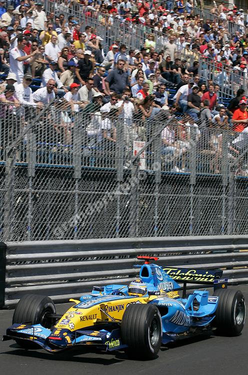 Fernando Alonso (Renault) in practice for the 2006 Monaco Grand Prix. Photo: Grand Prix Photo