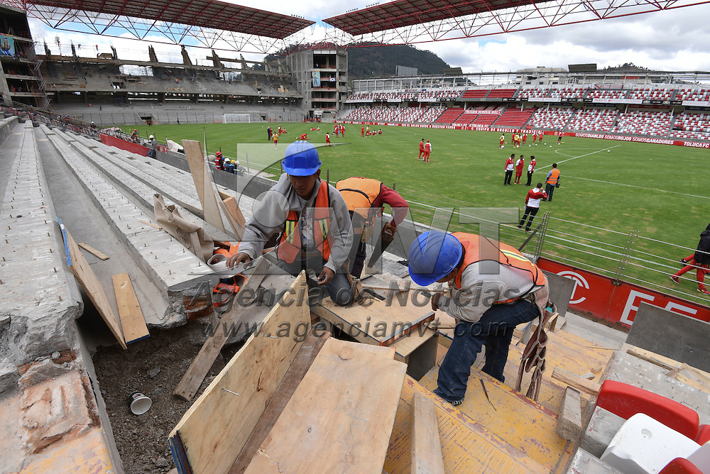 Toluca, México (Noviembre 04, 2016).- Asectos de la remodelación del Estadio Nemesio Díez.  Agencia MVT / Crisanta Espinosa