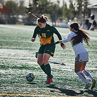 1st year defender, Abby Kirk (15) of the Regina Cougars during the Women's Soccer home game on Sun Oct 14 at U of R Field. Credit: Arthur Ward/Arthur Images