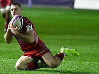 Rugby Union - 2019 / 2020 European Rugby Challenge Cup - Pool Two: Scarlets vs. Toulon<br /> <br /> Gareth Davies;  of Llanelli Scarlets , at Parc y Scarlets, Llanelli.<br /> <br /> COLORSPORT/WINSTON BYNORTH