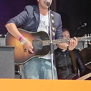 NLD/Amsterdam/20110430 - Koninginnedagconcert Radio 538, Waylon