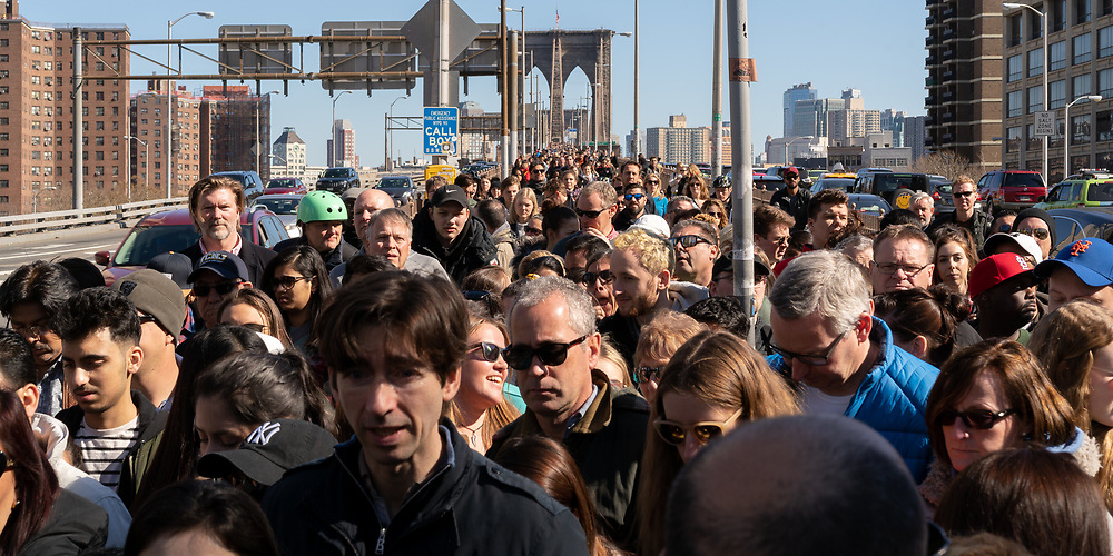 https://Duncan.co/crowded-brooklyn-bridge