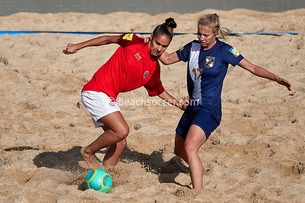 NAZARE, PORTUGAL - JUNE 7: Melissa Gomes of Stade de Reims and Kings Kurek of Lady Grembach Lodz during the Euro Winners Cup Nazaré 2019 at Nazaré Beach on June 7, 2019 in Nazaré, Portugal. (Photo by Jose M. Alvarez)