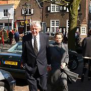 Mattheus Passion 2002 Naarden, Wim Kok en vrouw Rita Roukema, links lijfwacht