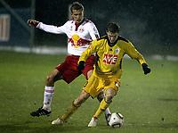 Fotball<br /> Østerrike<br /> Foto: Gepa/Digitalsport<br /> NORWAY ONLY<br /> <br /> 03.02.2010<br /> FUSSBALL - BL, Gambrinus Liga, RBS vs Budejovice, Testspiel TAXHAM, - FUSSBALL- tipp3 Bundesliga powered by T-Mobile, Gambrinus Liga, Red Bull Salzburg vs SK Dynamo Ceske Budejovice, Testspiel. Bild zeigt Thomas Augustinussen (RBS, li.) und Zdenek Ondrasek (Budejovice)
