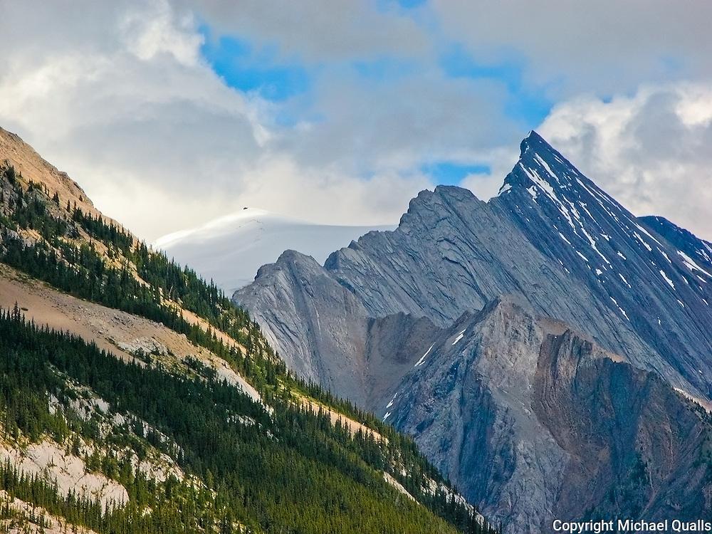Glacier carved peaks on the edge of Lake Malinge, Jasper NP