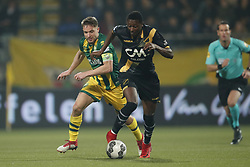 (L-R) Aaron Meijers of ADO Den Haag, Sadiq Umar of NAC Breda during the Dutch Eredivisie match between ADO Den Haag and NAC Breda at Cars Jeans stadium on March 10, 2018 in The Hague, The Netherlands
