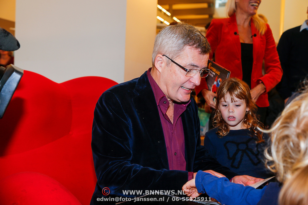 NLD/Amsterdam/20121113 - Presentatie DE Sinterklaasboekjes 2012, Herman Finkers leest voor