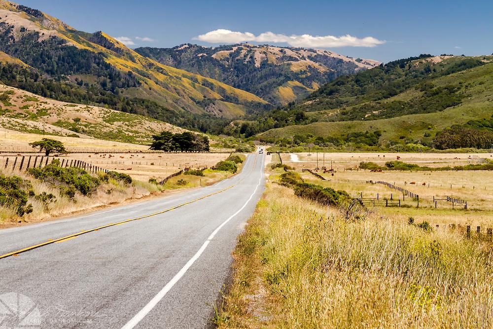 Highway 1 entering the Big Sur Valley, Big Sur, California,