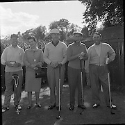 Bing Crosby was a regular visitor to Ireland. An avid golfer, he is pictured here at a charity golf tournament at Woodbrook, Co. Wicklow.<br />