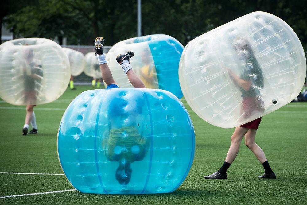 Foto: Gerrit de Heus. Bunnik. 17-06-2017. Nederlands Kampioenschap (NK) Bubbelvoetbal, bubbel voetbal