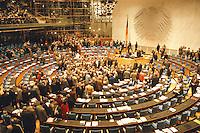 05 FEB 1998, BONN/GERMANY:<br /> Deutscher Bundestag, Plenarsaal, Übersicht<br /> IMAGE: 19980205-03/01-36