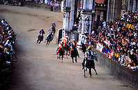 Italie - Toscane - Sienne - Course de chevaux du Palio // Italy. Tuscany. Sienna. Palio festival.
