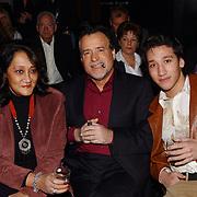 Corrie Konings 35 jaar in vak, George Baker en vrouw Blanche, Hans Bouwens, zoon Stefano