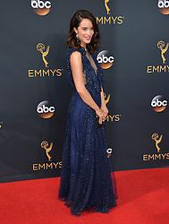 Abigail Spencer bei der Verleihung der 68. Primetime Emmy Awards in Los Angeles / 180916<br /> <br /> *** 68th Primetime Emmy Awards in Los Angeles, California on September 18th, 2016***