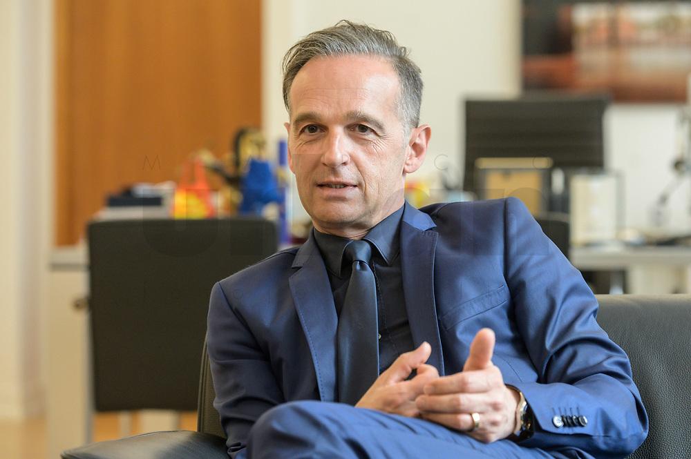 24 JUL 2020, BERLIN/GERMANY:<br /> Heiko Maas, SPD, Bundesaussenminister, waehrend einem Interview, in seinem Buero, Auswaertiges Amt<br /> IMAGE: 20200724-01-047<br /> KEYWORDS: Buero