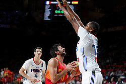 10.09.2014, Palacio de los deportes, Madrid, ESP, FIBA WM, Frankreich vs Spanien, Viertelfinale, im Bild Spain´s Ricky Rubio (C) and France´s Heurtel and Diaw // during FIBA Basketball World Cup Spain 2014 Quarter-Final match between France and Spain at the Palacio de los deportes in Madrid, Spain on 2014/09/10. EXPA Pictures © 2014, PhotoCredit: EXPA/ Alterphotos/ Victor Blanco<br /> <br /> *****ATTENTION - OUT of ESP, SUI*****