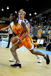 13-09-2008 BASKETBAL: NEDERLAND - IJSLAND: ALMERE<br /> De Nederlandse basketballers hebben hun tweede zege geboekt voor het ek van 2009 in de B-divisie. Oranje versloeg IJsland in almere met 84-68 / Jeremy Ormskerk<br /> ©2008-WWW.FOTOHOOGENDOORN.NL