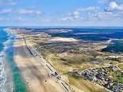 Nederland, Noord-Holland, Bergen, 07-05-2021; Bergen aan Zee met Noordzeestrand, Starnd Noord..<br /> <br /> luchtfoto (toeslag op standaard tarieven);<br /> aerial photo (additional fee required)<br /> copyright © 2021 foto/photo Siebe Swart