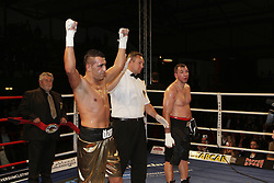 12.10.2012, Wandsbeker Sporthalle, Hamburg, GER, Universum Boxing Hamburg, im Bild Ismail OEZEN (Deutschland) vs Michal BILAK (Tschechien), Internationale Deutsche Meisterschaft , Sportler Universum Boxen Sport Deutschland Spotlight Halbschwergewicht // during Universum Boxing Hamburg at the Wandsbeker Sporthalle, Hamburg, Germany on 2012/10/12. EXPA Pictures © 2012, PhotoCredit: EXPA/ Eibner/ Andre Latendorf..***** ATTENTION - OUT OF GER *****