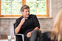 """28 AUG 2021, BERLIN/GERMANY:<br /> Robert Habeck, B90/Gruene, Bundesvorsitzender, """"Duell der Herzen"""" mit M arkus S oder,  TV Duell von Der Spiegel, Vice, T-Online, Vice Media Redaktion<br /> IMAGE: 20210828-01-096<br /> KEYWORDS: Wahlkampf, Bundestagswahl 2021"""