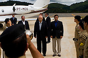 Manhuacu_MG, Brasil...Aecio Neves  e Jose Alencar na inauguracao do aeroporto de Manhuacu...Aecio Neves and Jose Alencar in of inauguration Manhuacu airport...Foto: BRUNO MAGALHAES /  NITRO