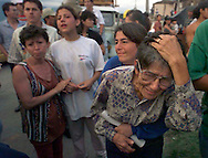1/26/99 AL DIAZ/MIAMI HERALD--Pastora Torres Santos cries for her dead nephew, Oscar Alejandro Herrera, 24, uncovered in the rubble of his home after earthquake in Armenia, Colombia.