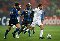 Fotball<br /> Frankrike<br /> Foto: DPPI/Digitalsport<br /> NORWAY ONLY<br /> <br /> FOOTBALL - CHAMPIONS LEAGUE 2008/2009 - GROUP STAGE - GROUP B - 081022 - INTER MILAN v ANORTHOSSIS FAMAGUSTA FC - SAVIO (ANO) / JAVIER ZANETTI / SULLEY MUNTARI (INT)