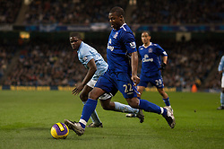 MANCHESTER, ENGLAND - Monday, February 25, 2008: Everton's Yakubu Ayegbeni in action against Manchester City during the Premiership match at the City of Manchester Stadium. (Photo by David Rawcliffe/Propaganda)