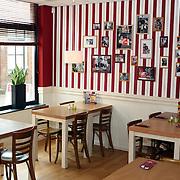 NLD/IJsselstein/20070822 - Restaurant Cookers IJsselstein Voorstraat 8-10 in IJsselstein