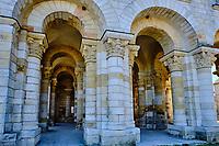 France, Loiret (45), Val de Loire classé Patrimoine Mondial de l'UNESCO, Saint-Benoît-sur-Loire, abbaye bénédictine de Saint-Benoît-sur-Loire, abbaye de Fleury // France, Loiret (45), Loire Valley listed as World Heritage by UNESCO, Saint-Benoît-sur-Loire, Benedictine abbey of Saint-Benoît-sur-Loire, Fleury abbey